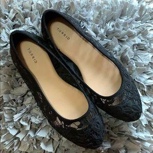TORRID black lacey flats 🥿